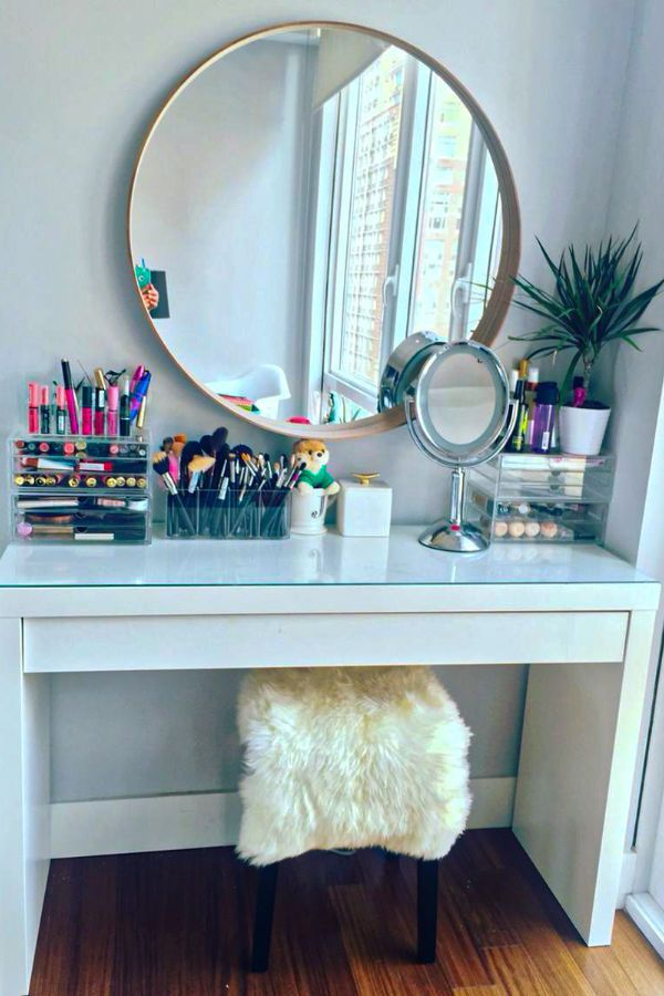 52 Cool Bedroom Makeup Desk Design Ideas For You Page 19 Of 52 Ladiesways Com Women Hairstyles Blog In 2020 Ikea Makeup Vanity Makeup Vanity Decor Vanity Decor