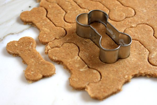 Don't forget about the doggies this year. Bake them some peanut butter biscuits for Christmas