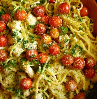 Spaghetti in Garlic Gravy with Herbs and Lemon Marinated Chicken with Cherry Tomatoes