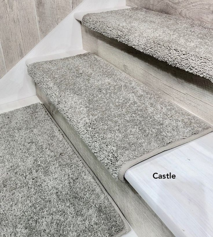 Best Padded Carpet Stair Treads Stoney Brook Castle In 2020 400 x 300