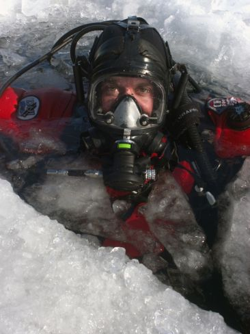 Ice Dive Canada www.flowcheck.es taller de equipos de buceo  Diving equipment workshop #buceo #scuba #dive