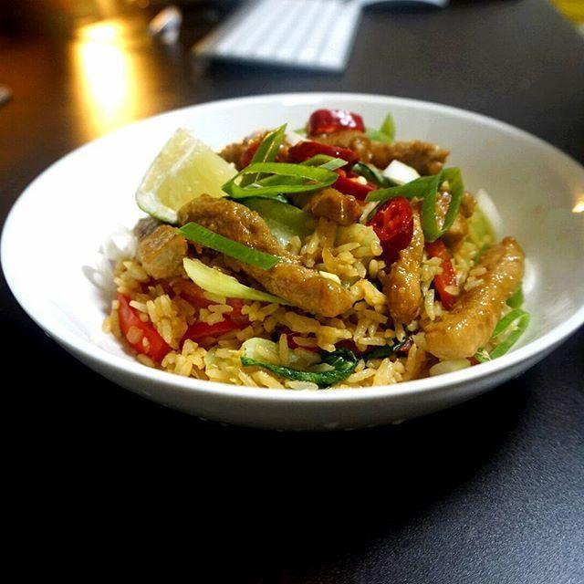 Thai Pork Fried Rice. For dinner.  #thaiporkfriedrice #thaicuisine #thai #eastsouthasia #friedrice #lime #ginger #soysauce #pork #dinnertime #Homemade #mirim