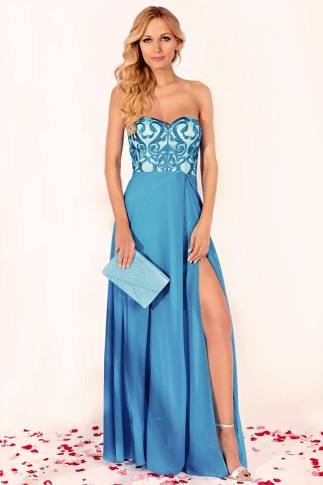 In love with the long evening turquoise dress <3