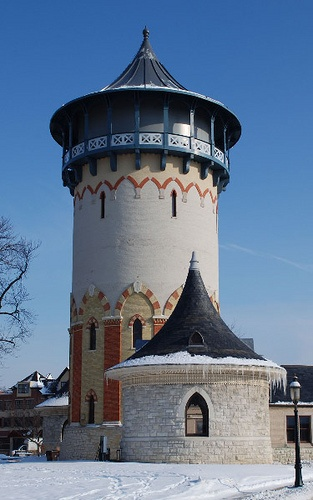 Riverside Water Tower and Pump House in East Grossdale, Brookfield, Illinois - photo by Irina Hynes (ihynz7), via Flickr;  built in1870; top was rebuilt after a fire in 1913;  originally designed by William LeBaron Jenney;  the pumps were steam-driven