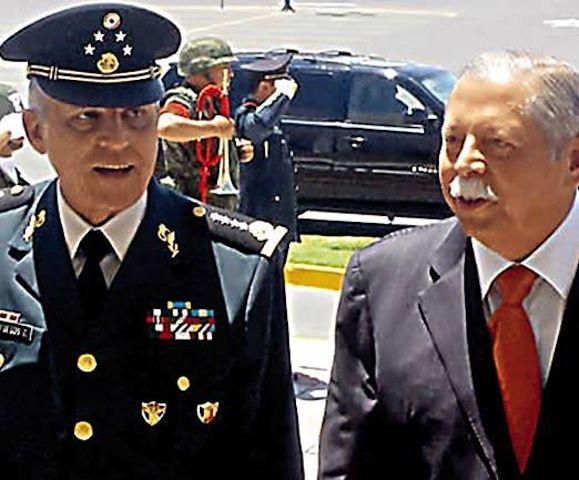 Cienfuegos supervisa C-4 en Tamaulipas - http://notimundo.com.mx/cienfuegos-supervisa-c-4-en-tamaulipas-23876/