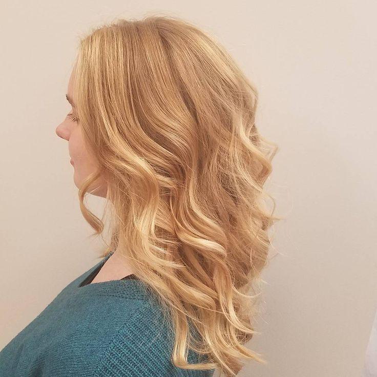Her 21st birthday gift from her mom. #salonorianamn #aveda #avedastylist #avedaartist #avedacolor #avedacolorist #balayage #beautiful #hair #behindthechair #modernsalon #bloomingtonsalon #bloomingtonmn #minneapolis #minnesota