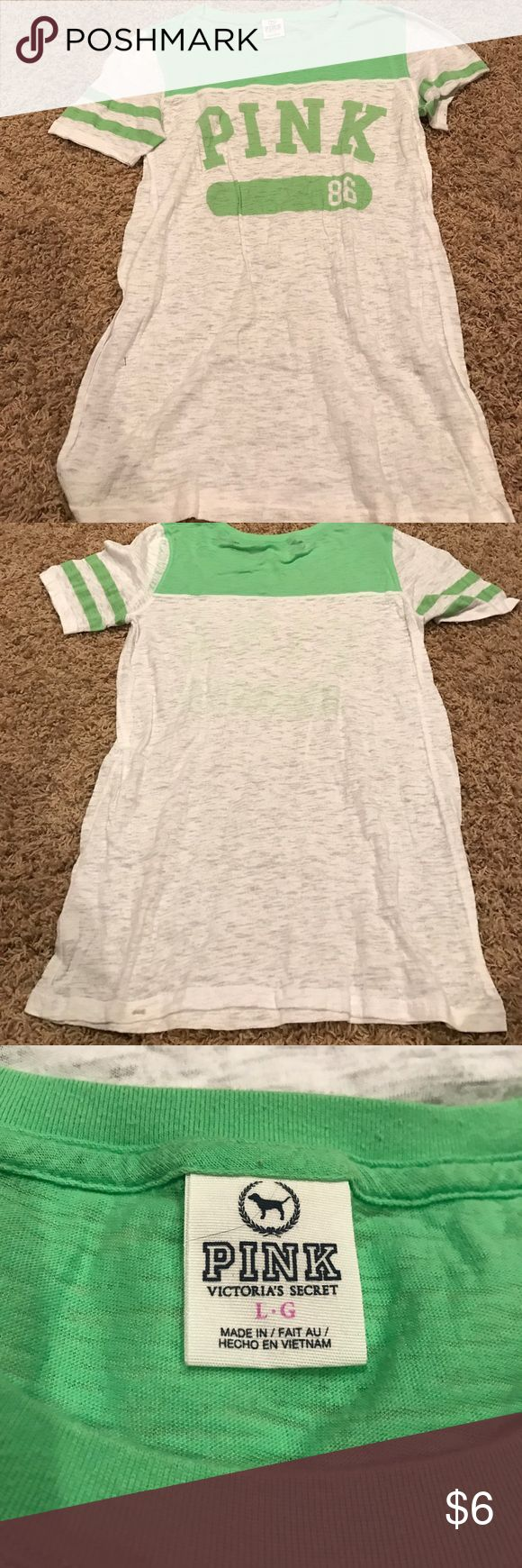 ❤ VS PINK Green Short Sleeve Top L Victoria's Secret pink Green short sleeve tee shirt size large. From a smoke free home PINK Victoria's Secret Tops Tees - Short Sleeve