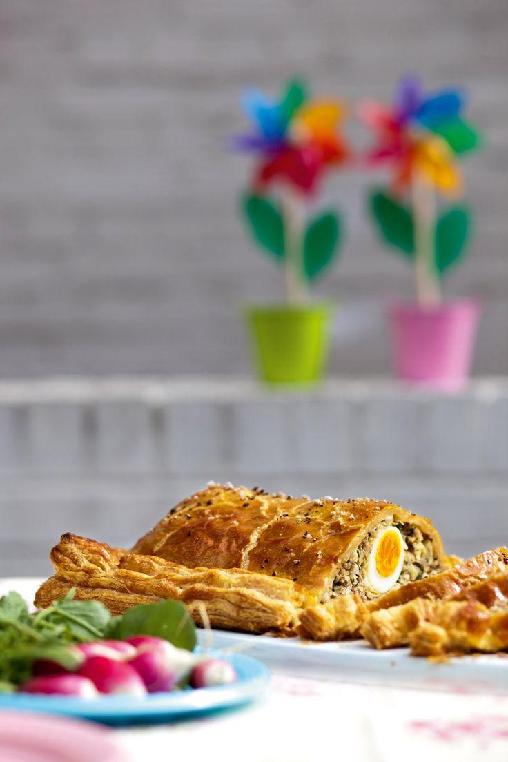 Sausage and egg picnic pie