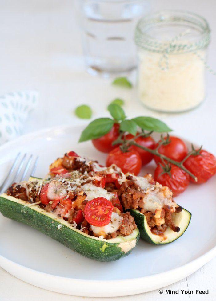 Gevulde courgette met gehakt, paprika en mozzarella
