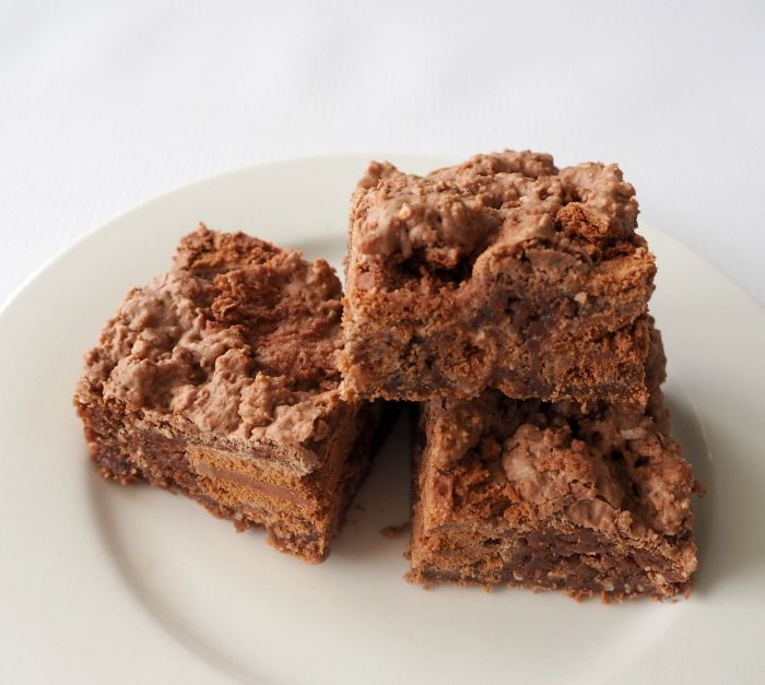 I think you would be pretty hard pressed to find someone who doesn't LOVE a Tim Tam! This Thermomix Tim Tam Slice is the PERFECT recipe of all of you Tim Tam lovers out there and makes a great dessert or special treat. While I made this using regular Tim Tams, you can easily substitute...Read More »