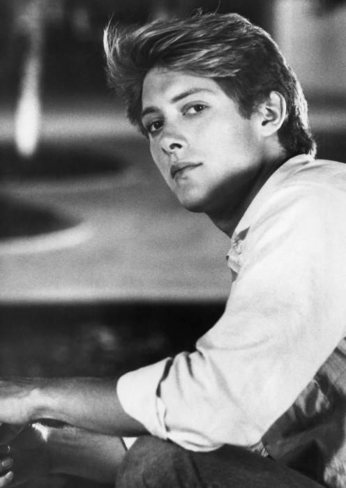 I had a crazy crush on James Spader, probably because he looked like the archetypal WASP and was thus forbidden fruit. I don't know if it was the gorgeous blonde mane or the perfect nose, but I adored his looks. I'm thrilled he turned into a fine actor but dismayed that he's allowed his looks to fade, as we used to say. He's only 53 but looks a decade older.