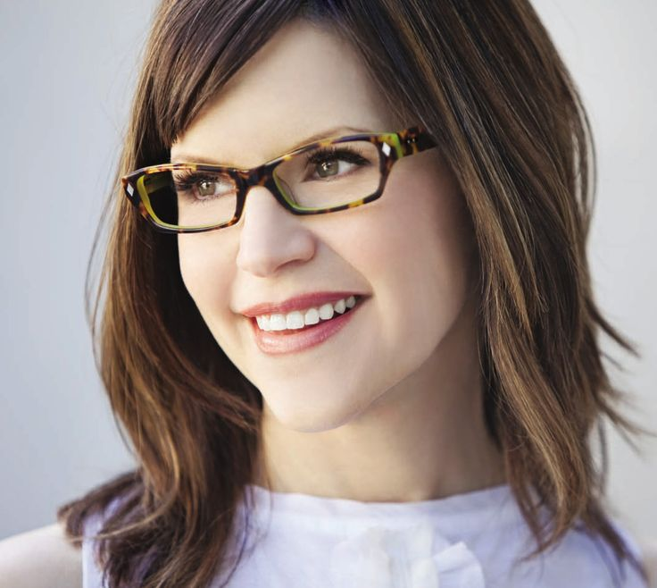 Lisa Loeb. I don't know any of her music but have always thought she's adorable. I loved her reality show ages ago.