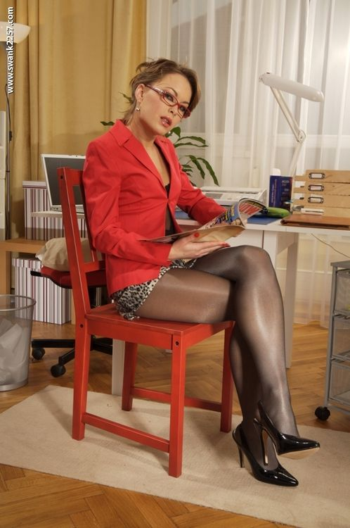 About Pantyhose Porn And 11