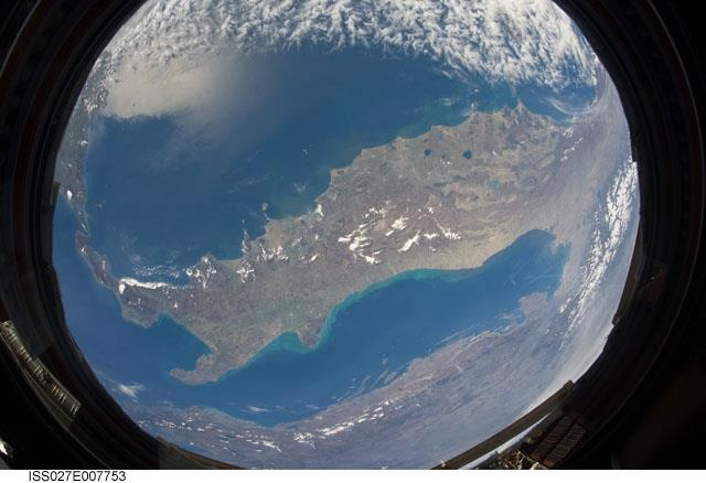 """Italia... Much More!!   Watch this stunning video of Italian Treasures  http://youtu.be/IcI45UCly4A    Fonte: Image Science and Analysis Laboratory, NASA-Johnson Space Center. """"The Gateway to Astronaut Photography of Earth."""""""