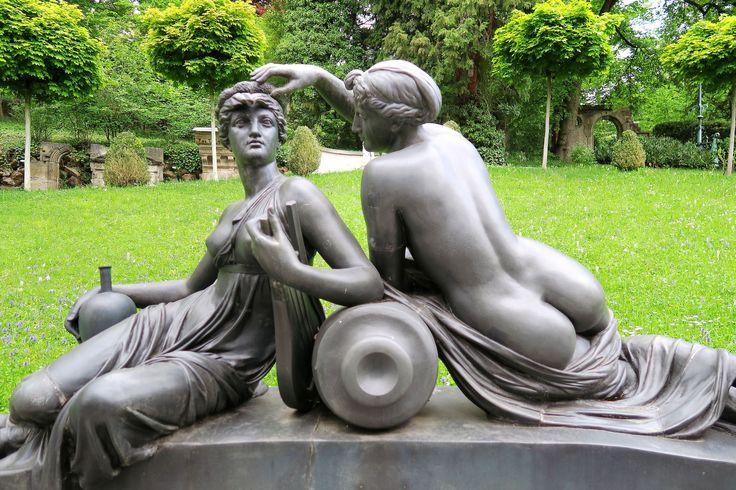 Штутгарт, Stadt.  Lapidary, куколка Группа