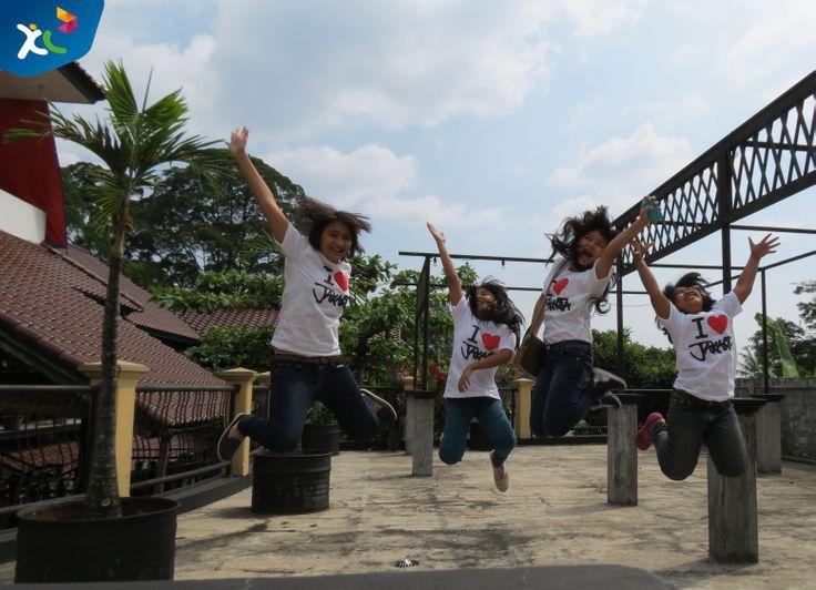 Saya Cinta Indonesia terkhususnya Ibu Kota kita yaitu Jakarta karena disanalah kita dapat mengadu nasib, dan menemukan bermacam ragam type orang-orang ;)