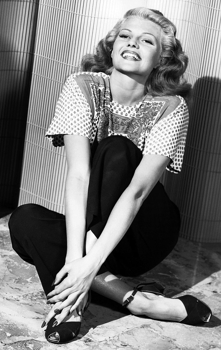 "theritahaywortharchive: """"Rita Hayworth, 1946 "" "" Beautiful …."