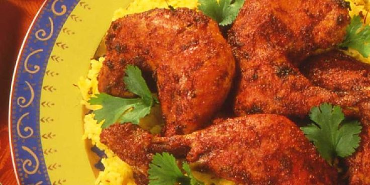 Murg tandoori - tandoorikylling med naan, raita og tomatsalat - Tandoori med…