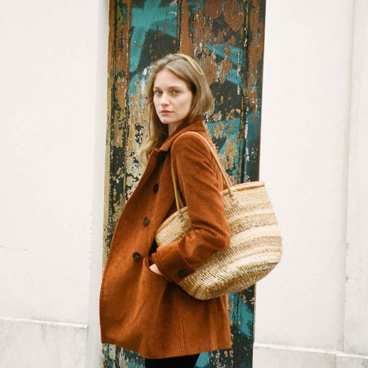 Oversized corduroy jacket for Fall.