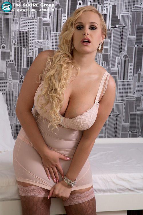 Rubia estrella porno milf julieann