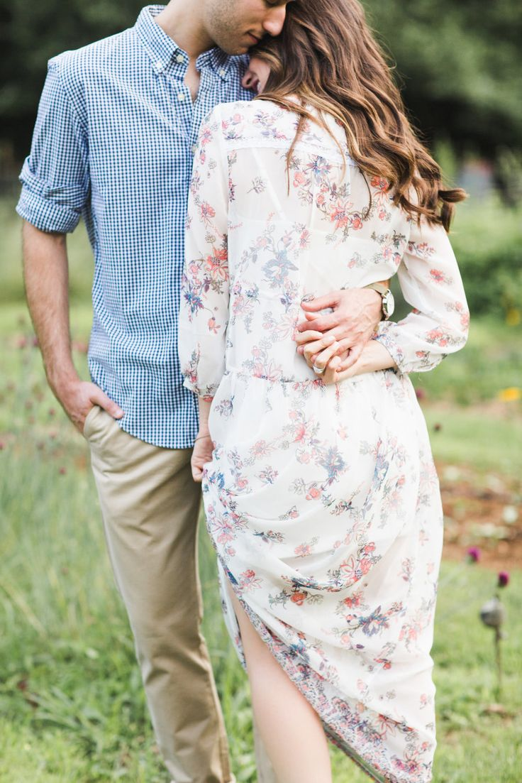 Photography : Ashley Caroline Photography Read More on SMP: http://www.stylemepretty.com/little-black-book-blog/2016/01/25/sweet-rustic-engagement-session-at-bluefield-farm/