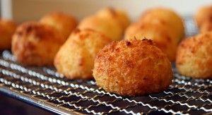 MUST TRY this recipe for Skinny Mozzarella Bites! DELICIOUS!