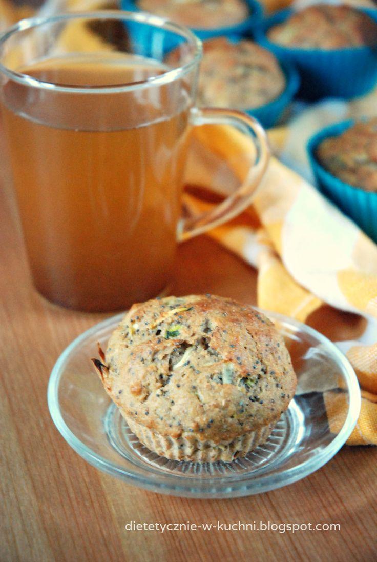 Moje Dietetyczne Fanaberie: Razowe muffiny bananowo - cytrynowe z makiem