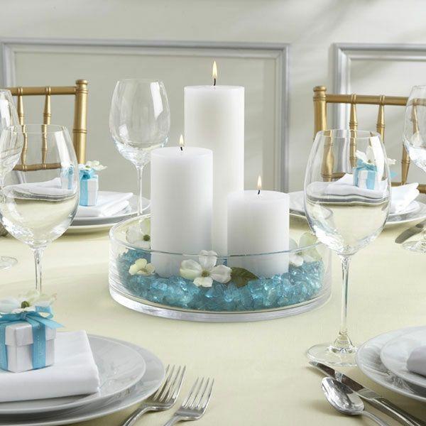 Schöne Dekoideen für extravagante Hochzeitsdekoration - extravagante Hochzeitsdekoration zart weiß blau tischdeko kerzen wedding table decoration