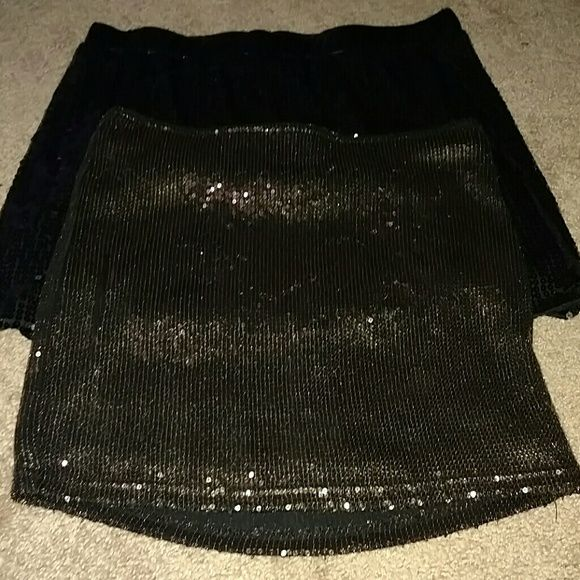 Sequinned skirt bundle Sequined skirt bundle, gold and black sequinned miniskirts. Black is a medium, gold is a small. Skirts Mini