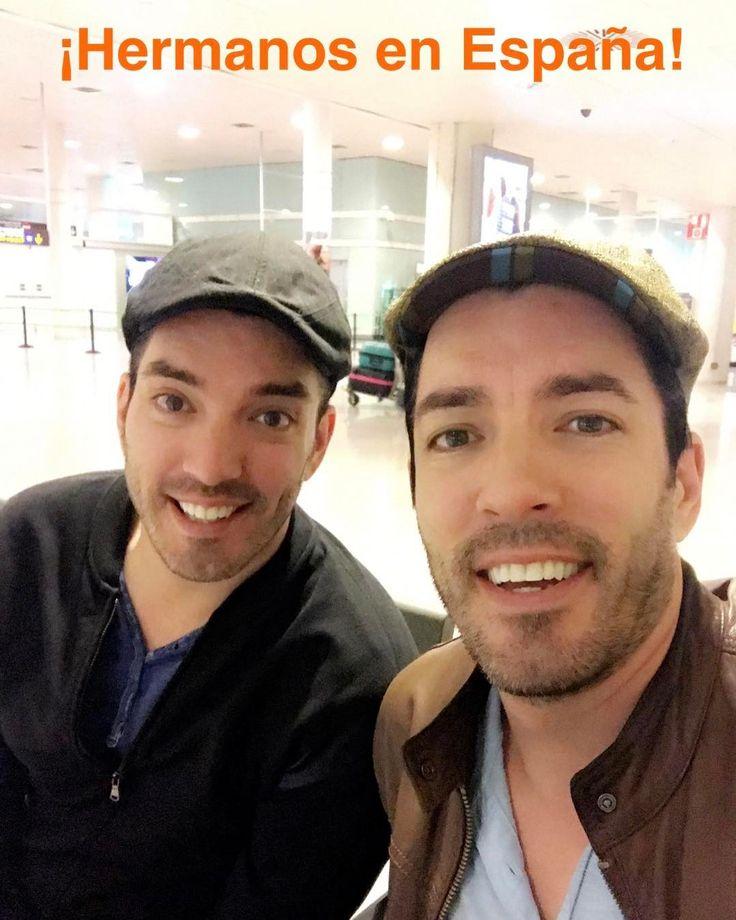"Drew Scott on Instagram: ""¡Hermanos en España!"" (translation: Drew Scott on Instagram: ""Brothers and sisters in Spain!"")"