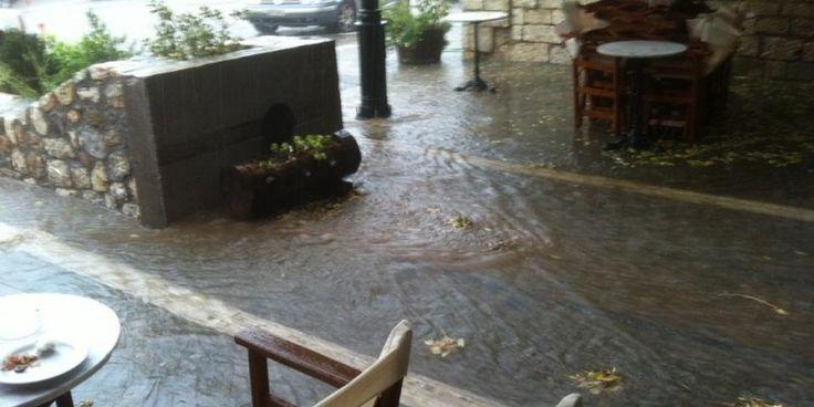 Διακοπές ρεύματος και πλημμυρισμένα σπίτια στα Καλάβρυτα - Σφοδρή κακοκαιρία