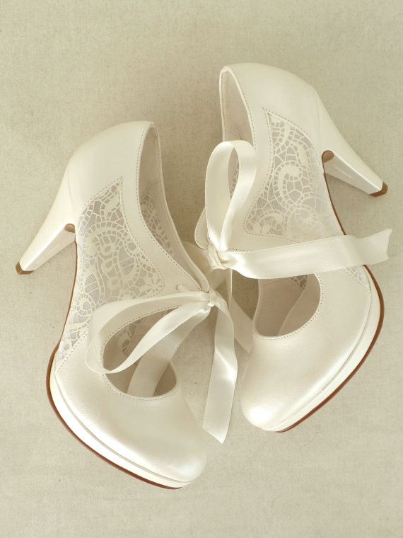 10cm(4) heels&1cm(0.5) platforms, with ribbons, in ivory.  These fabulous bridal shoes are designed with lace and cream satin ribbons. They
