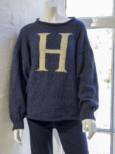 Harry Potter Adults Jumper DK Knitting Pattern - *Harry Potter Adults Jumper DK Knitting Pattern* Harry Potter fan? Or know someone who is? This is the perfect wardrobe accessory for anyone who's 'pots about Potter'!! Check out our New Lanark Wool and Textiles, producers of high-quality British woollen yarn.