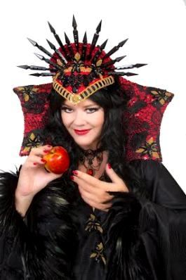 JOSIE LAWRENCE as Wicked Queen in Snow White and the Seven Dwarfs at the Yvonne Arnaud Theatre Guildford #josielawrence
