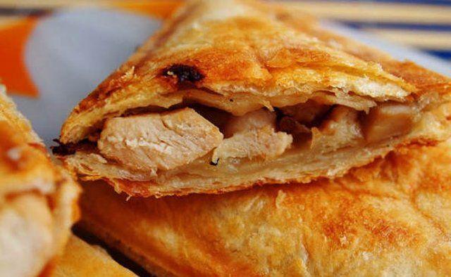 Острый сендвич с курицей и вешенками