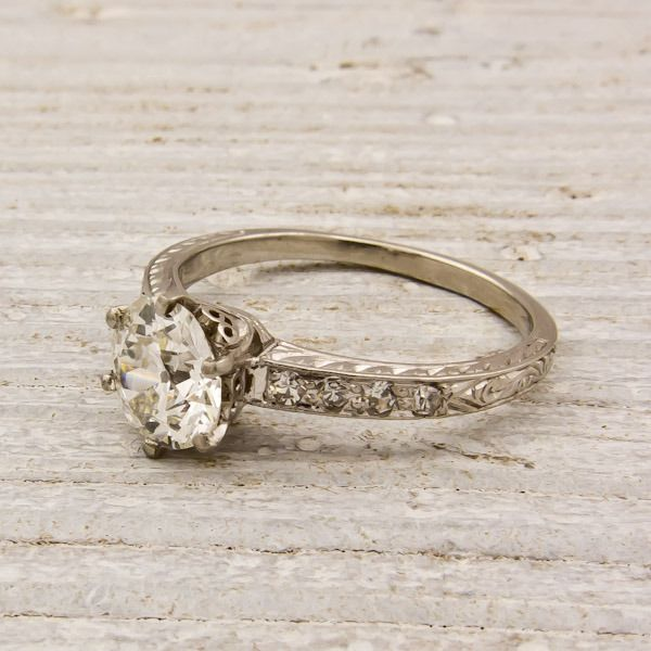 This website is like I've died and gone to heaven! Engagement rings mainly from the 1920s, they just scream Melissa!!