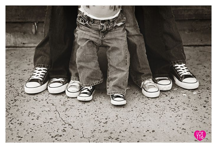LOT116 PHOTOGRAPHY » Gallery. Awesome photographer..super creative ideas.: Matching Shoes, Families Pictures, Photography Idea, Lot116 Photography, Families Photography, Creative Idea, Families Pics, Baby Photography, Photo Idea