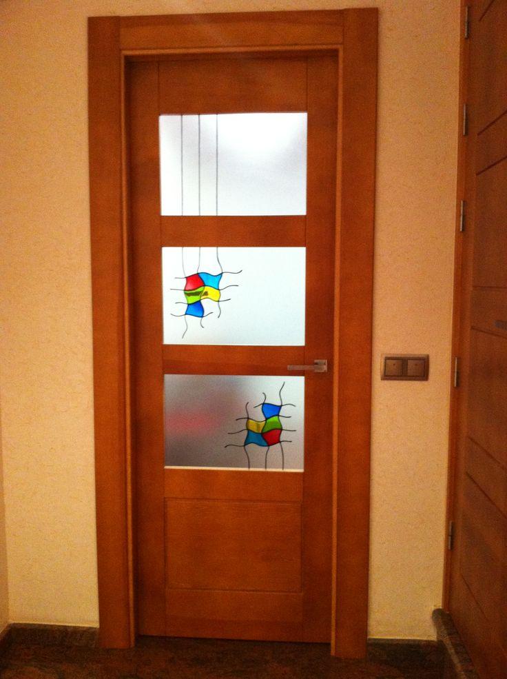 Puerta de madera maciza con tres cristales my real house for Cristales para puertas de madera