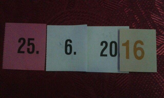 Během plesové sezóny jsme na to naše datum sázeli. Jednou to vyšlo. :)