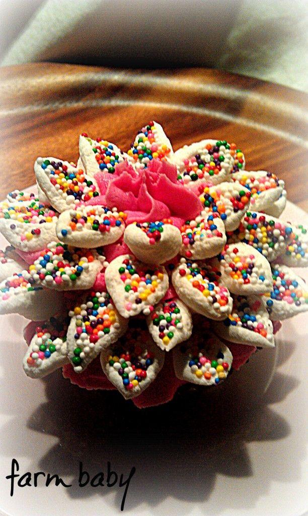 Marshmallow Cupcake Flowers!