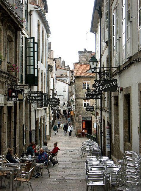 Santiago de Compostela en Galicia, España, con sus callejones, su historia, su arte y su magia. ESPECTACULAR!