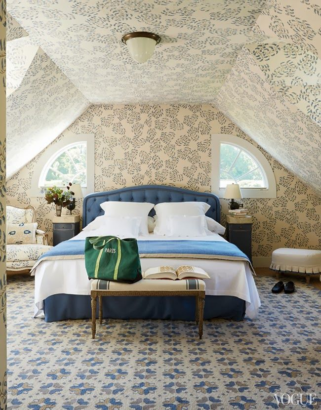 Pretty wallpapered bedroom, floor to ceiling!