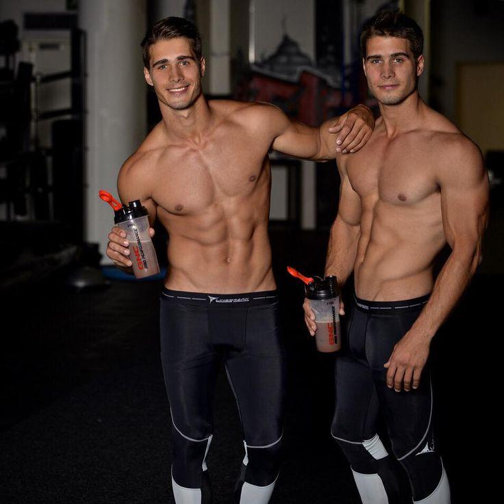 hot twin guy nude