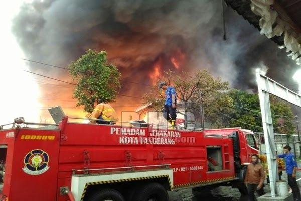 Gambar Mobil Pemadam Kebakaran Pemkab Lebak Beli Mobil Pemadam Kebakaran Rp 1 5 Miliar Untuk Satpol Download Mainan Mobil Pemadam Kebakaran Mobil Gambar