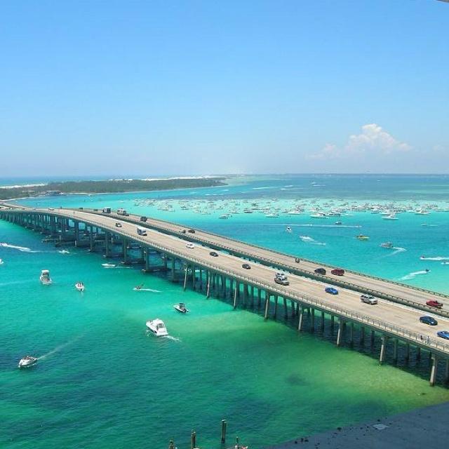 CRAB ISLAND, DESTIN FLORIDA..... here's to floating hotdog stands!!!