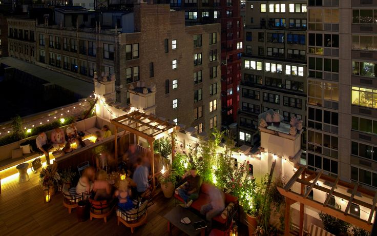 Toast of the Town: The Refinery Rooftop's Martini Thyme #nyc #martini #cocktail