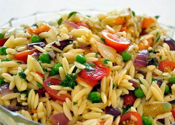 طريقة عمل سلطة معكرونة لسان العصفور طريقة Recipe How To Make Salad Salad Recipes For Dinner Orzo Salad