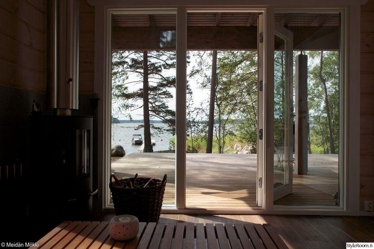 sauna,saunatupa,lasiseinät,terassi