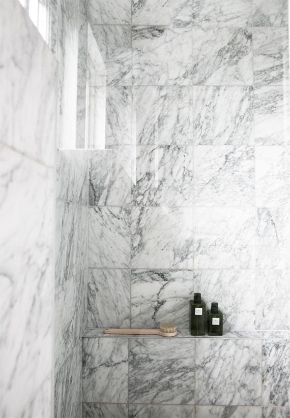 White marble showers | Annaleenas Hem