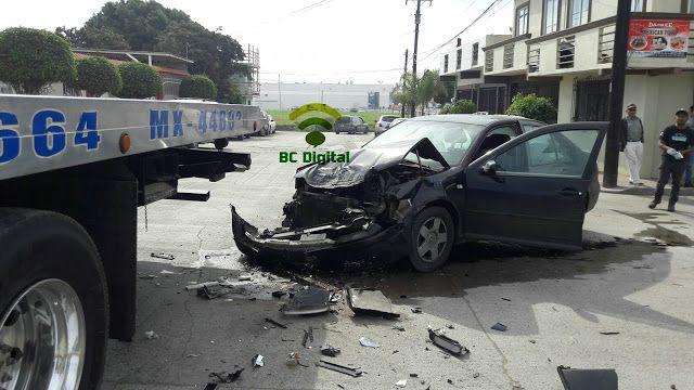 BCDigital: En Rosarito se registra choque de auto Jetta contr...